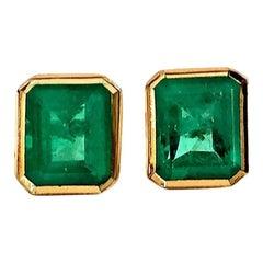 2.20 Carat Natural Emerald Stud Earrings 18 Karat Yellow Gold