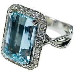 Art Deco-Style Aquamarine Ring, 6.72 Carat
