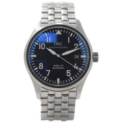 IWC Pilot IW325504 with Stainless Steel Bezel and Black Dial