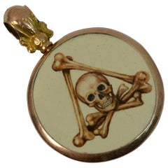 Momento Mori Skull Design 9 Carat Rose Gold Panel Pendant