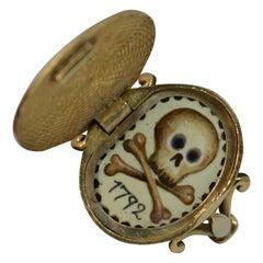Momento Mori Skull Design 9 Carat Gold Locket Signet Ring