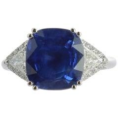 7.27 Carat Sapphire Cocktail Ring Surround, Round Diamond and Triangle Diamond