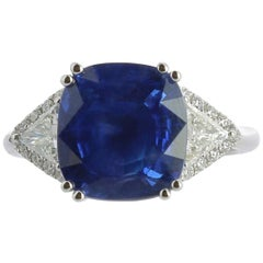 7.27 Carat Sapphire Cocktail Ring Surround, Round Diamond and Triangle Diamond
