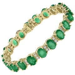 25 Carat Emerald 1.2 Carat Diamond Tennis Bracelet Brand New 18 Karat Gold