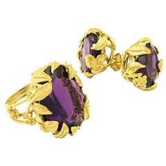 18 Karat Gold Amethyst Italian Made Ring with Leaf Detailing