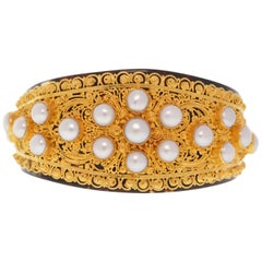 Freshwater Pearl 22 Karat Yellow Gold Cuff Bracelet on Faux Tortoiseshell Back