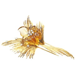 French Retro 18 Karat Gold Diamond Citrine Flower Brooch