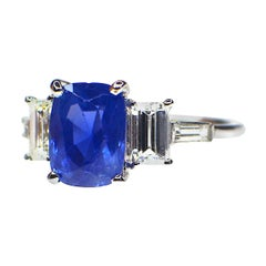 Kashmir 2.82 Carat Sapphire and Diamond Ring, Certified Natural Color