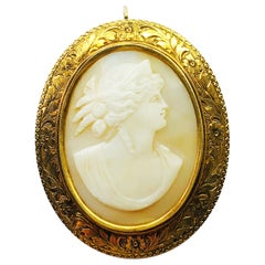 Estate Victorian 14 Karat Yellow Gold and Shell Oval Cameo Brooch and Pendant