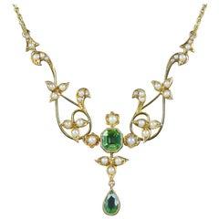 Antique Victorian Peridot Pearl Necklace 15 Carat, circa 1900