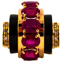 Art Deco 5.10 Carat Ruby 0.15 Carat White Diamond Onyx Yellow Gold Cocktail Ring