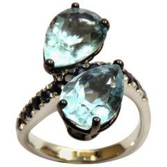 Aquamarine Blue Sapphires  White 18 Karat Gold Cocktail Ring Modern Contemporary
