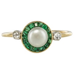 1920s Edwardian Natural Pearl Calibrated Emerald Yellow Gold Ring