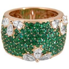 4.39 Carat Diamond and Emerald 18 Karat Gold Ring