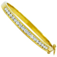 18 Karat Yellow Gold Diamond Bangle Bracelet, 2.17 Carat