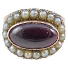 Antiker Cluster-Ring im Georgianischen Stil mit Granat und Perlen, circa 1850er Jahre