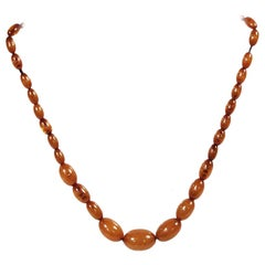 Yellow-Brown Amber Necklace from the 1930s