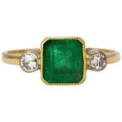 Art Deco Emerald and Diamond 18 Karat Yellow Gold Ring