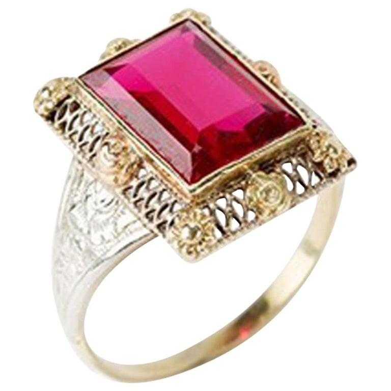 Gold Ring with Baguette-Cut Spinel, 14 Carat, 1920s For Sale