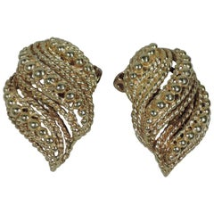 Pair of Snazzy 1960s American Modern 14 Karat Gold Clip-On Earrings