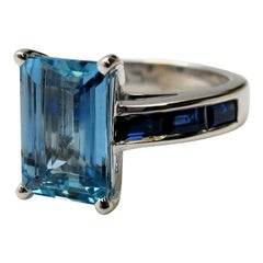 2.80 Carat Aquamarine and Blue Sapphire Ring, 18 Karat White Gold
