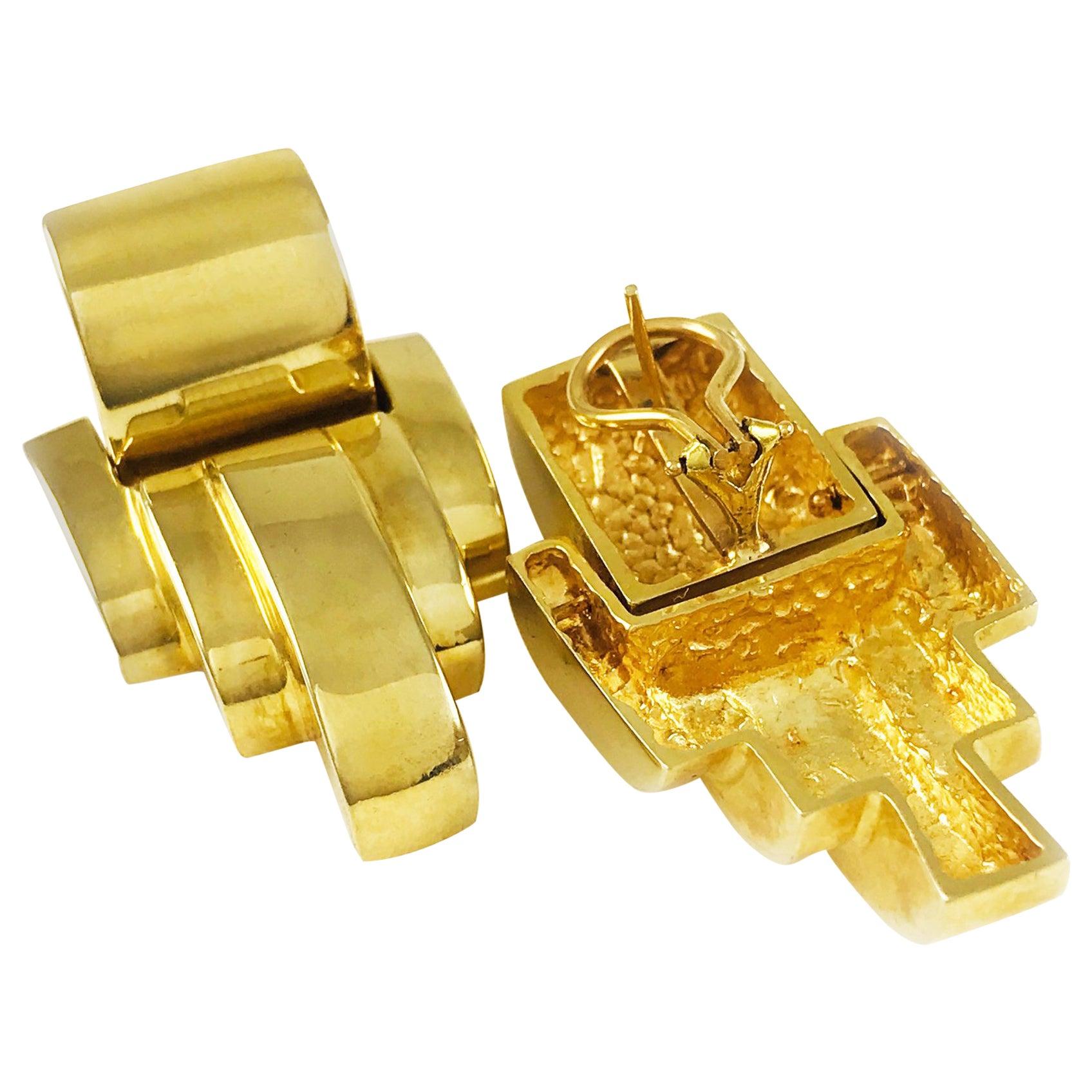 14 Karat Gold Heavyweight Scalloped Earrings