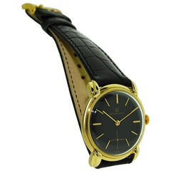 Universal Geneve 18 Karat Solid Yellow Gold Manual Wind, circa 1950s
