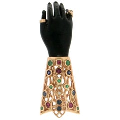 Ebony Hand 14 Karat Yellow Gold Diamonds Brooch