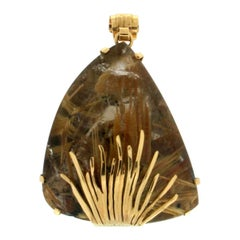 Amber 14 Karat Yellow Gold Pendant Necklace