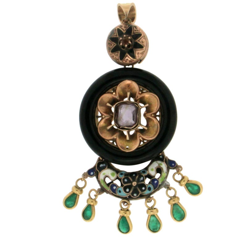 Enamel 14 Karat Yellow Gold Emerald and Onyx Pendant Necklace For Sale