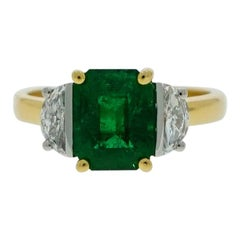 Emerald and Diamond Yellow Gold 3 Stones Ring