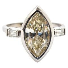 14 Karat Weißgold und 1,90 Karat Marquise Diamant Ring mit Akzenten