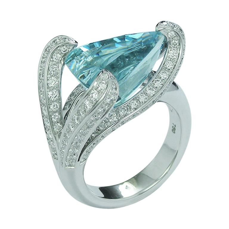 7.67 Carat Trillion Cut Aquamarine and Diamond Cocktail Ring For Sale