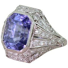 Art Deco 8.90 Carat Natural Color-Change Sapphire and Diamond Platinum Ring