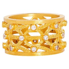 24 Karat Pure Gold Handcrafted Round Pattern Eternal Ring