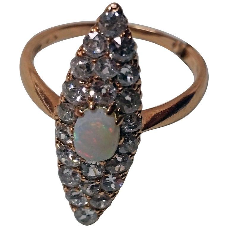 Art Nouveau Ring Navette Rose Gold 585 Diamonds 1.5 Carat, Austria, circa 1900 For Sale