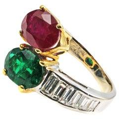 Ruby Emerald Diamond 18 Karat Yellow and White Gold Toi et Moi Ring