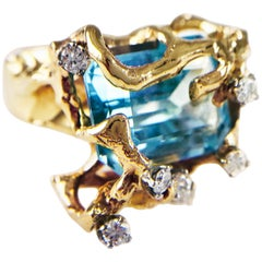 14 Karat Gold Aquamarine Freeform Cocktail Ring