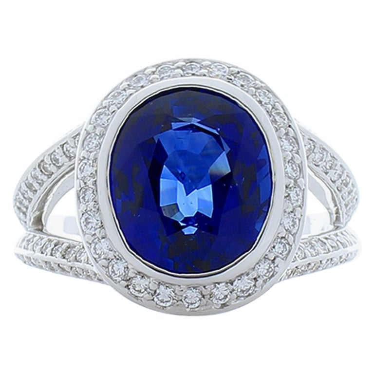 5.25 Carat Oval Ceylon Blue Sapphire and Diamonds White Gold Cocktail Ring