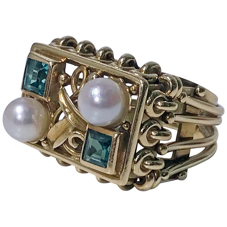 1970s 18 Karat Pearl and Emerald Ring For Sale