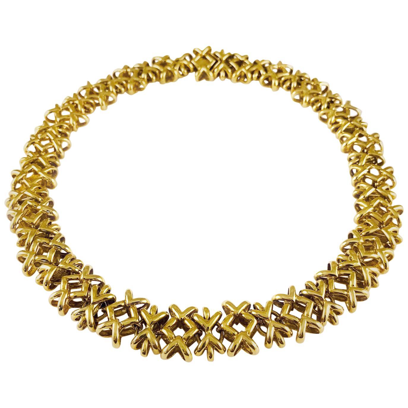 18 Karat Gold Crisscross Link Necklace