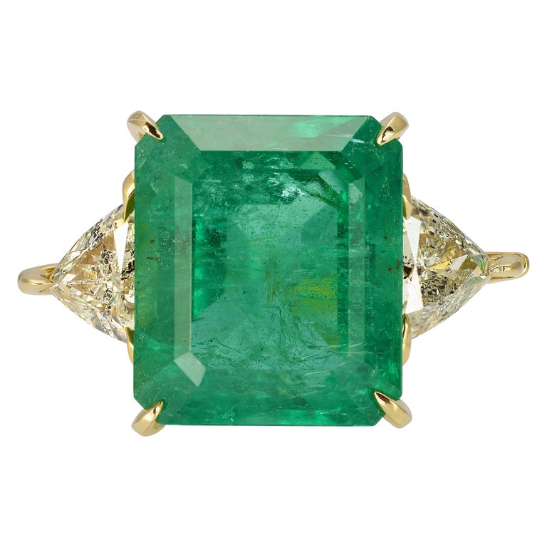 10 Carat Zambian Emerald Ring For Sale