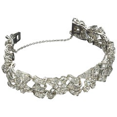 Elegant French Platinum Diamond Vintage-Bracelet, circa 1950