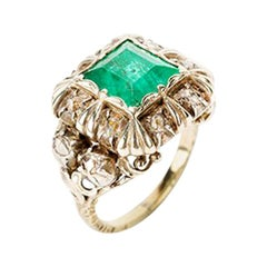 Emerald Ring with 12 Old Cut Diamonds, 14 Carat, 18th Century