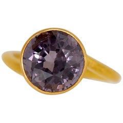 Scrives Violet Grey Spinel 22 Karat Gold Ring