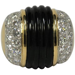 Large Scale Fluted Onyx, Gold and Diamond Statement Ring