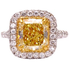 Certified Fancy Yellow Radiant 2.84 Carat Diamond Cocktail Ring Set in Platinum