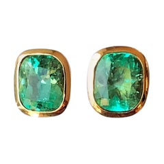 3.67 Carat Exclusive Cushion Colombian Emerald Stud Earrings 18 Karat