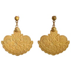 18 Karat Yellow Gold Satin Finish Drop Earrings