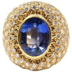 5.67 Carat Sapphire and Diamond 18 Karat Yellow Gold Ring